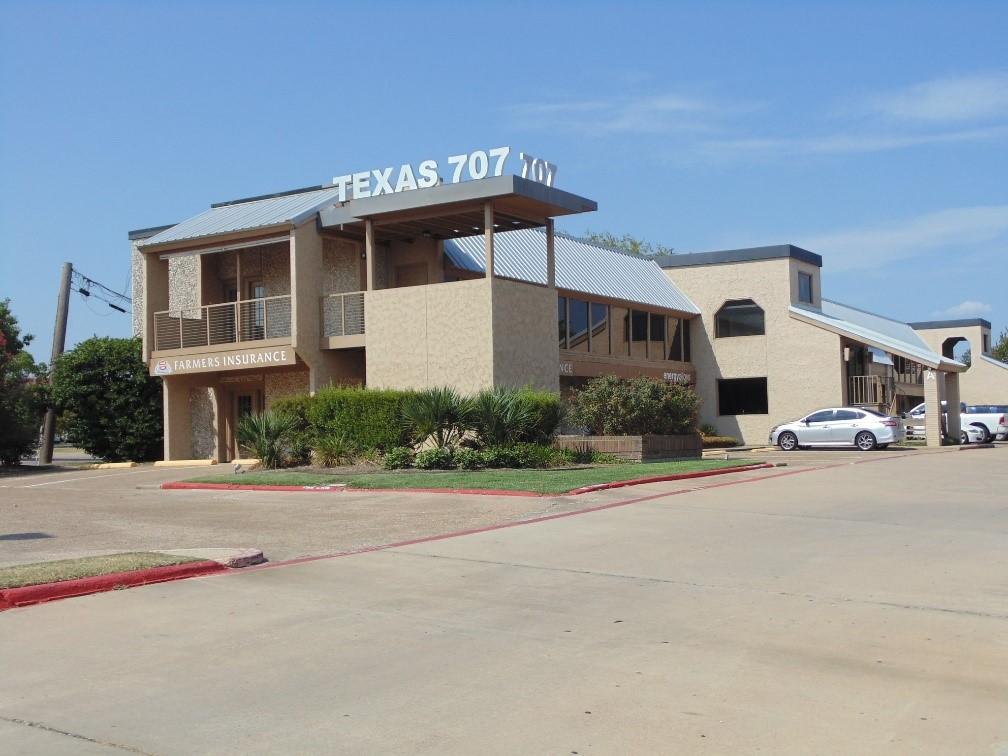 707 Texas Center